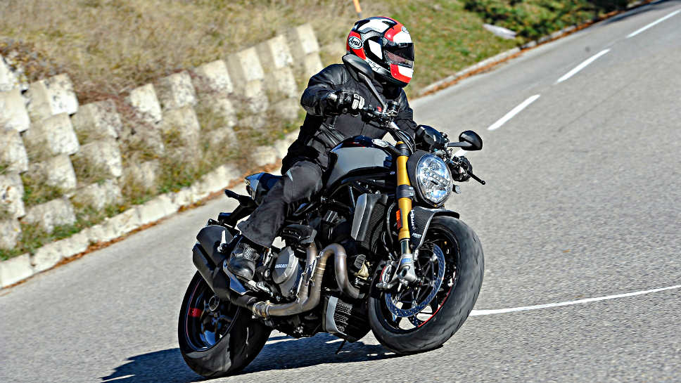 Die Ducati Monster 1200.