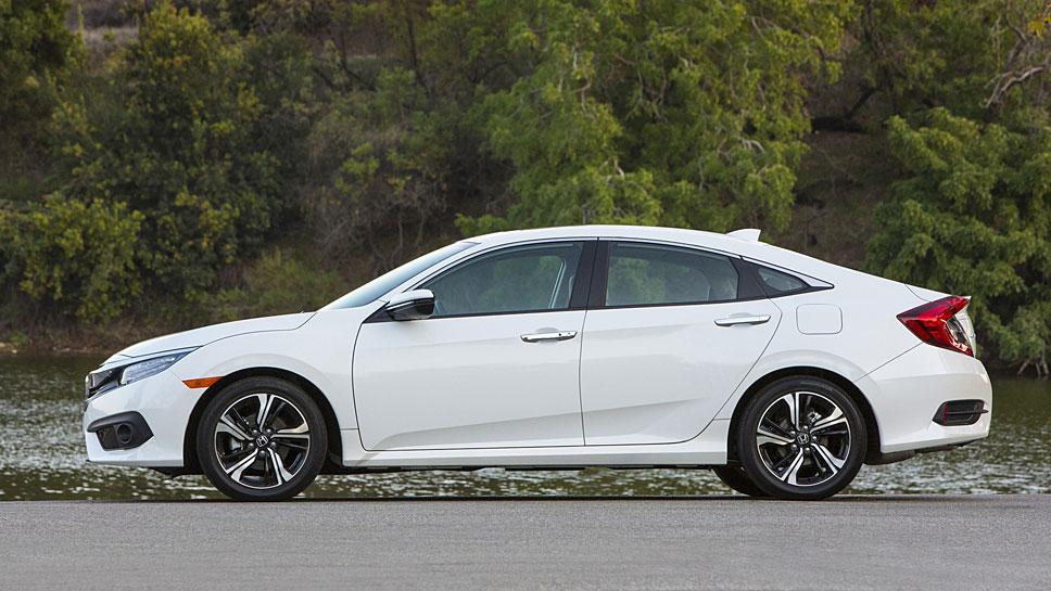 Die zehnte Generation des Honda Civic hat seinen futurisitischen Auftritt eingebüßt.