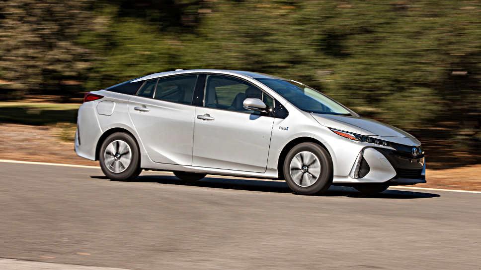 Der Toyota Prius kommt im Frühjahr auch als Plug-in-Hybrid.