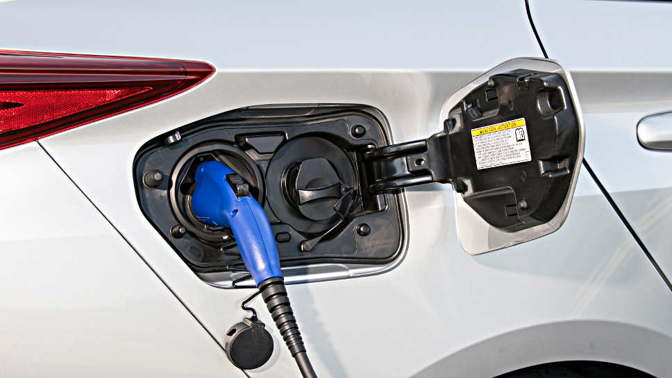 Toyota Prius Plug-in-Hybrid neu Aufmacher Toyota