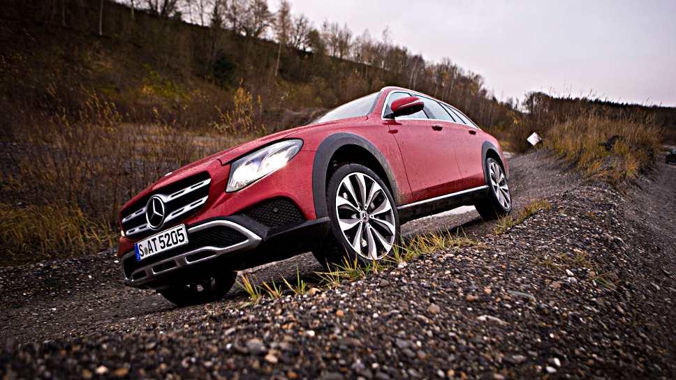 Auch im Gelände macht die Mercedes E-Klasse All-Terrain eine gute Figur.