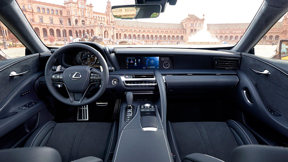 Der Lexus LC500 erreicht nach 4,4 Sekunden Tempo 100