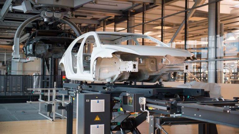 Gläserne Manufaktur wird für E-Golf-Produktion umgebaut