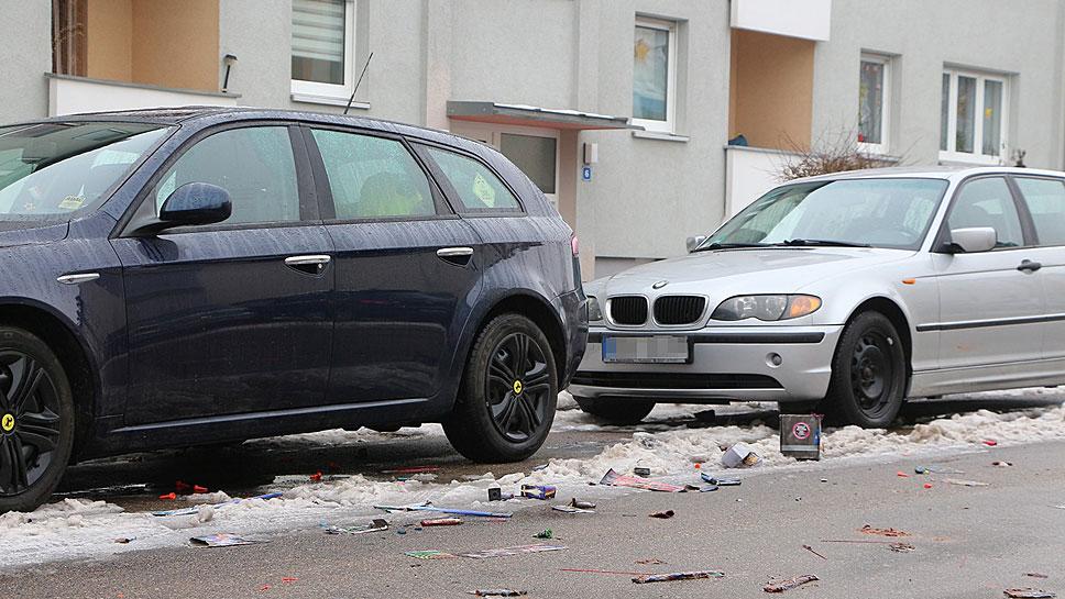 Mutwillig gezündete Feuerwerkskörper können Schäden am Auto hinterlassen