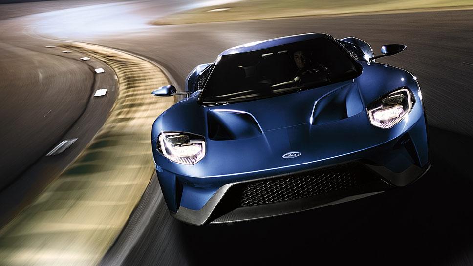 Der Ford GT legt sich mit den europäischen Supersportwagen an