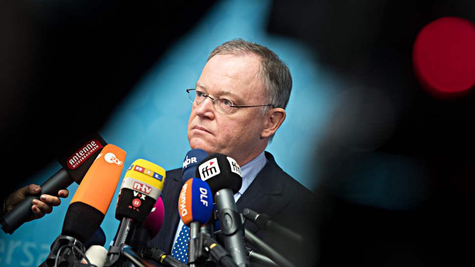 Stephan Weil stellt sich in Niedersachsen zur Wiederwahl.
