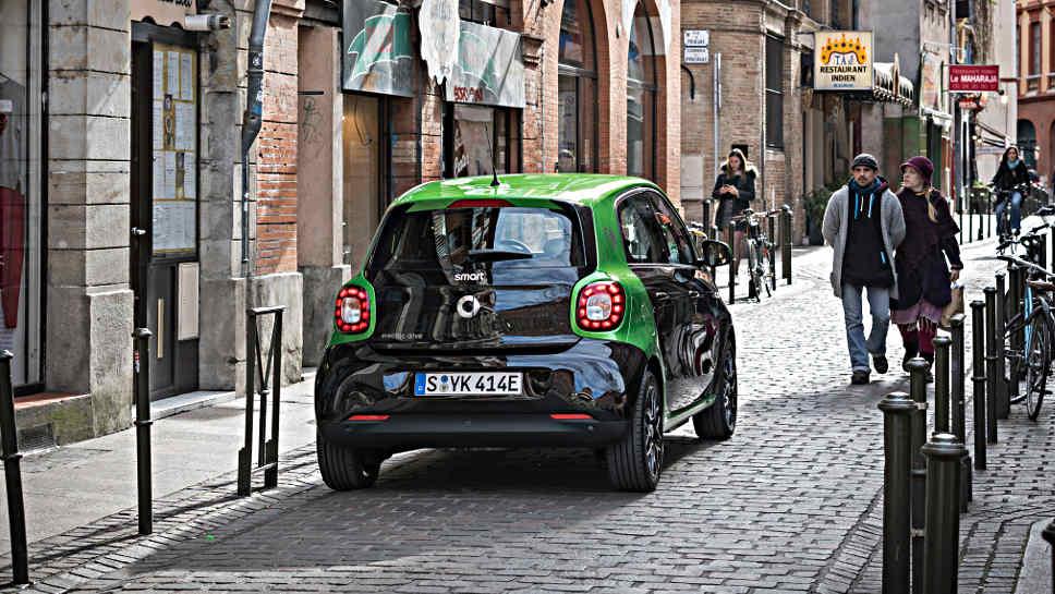 smart forfour electric drive mehr e auto braucht man. Black Bedroom Furniture Sets. Home Design Ideas