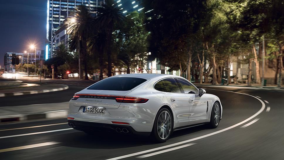 Den Porsche Panamera gibt es auch als Hybridvariante