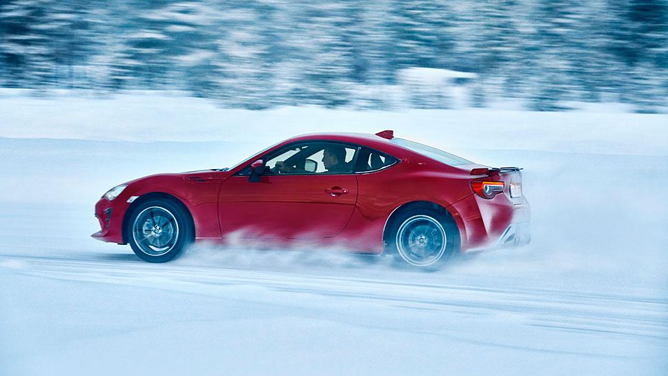 Der Toyota GT86 bereitet auch im Schnee viel Freude