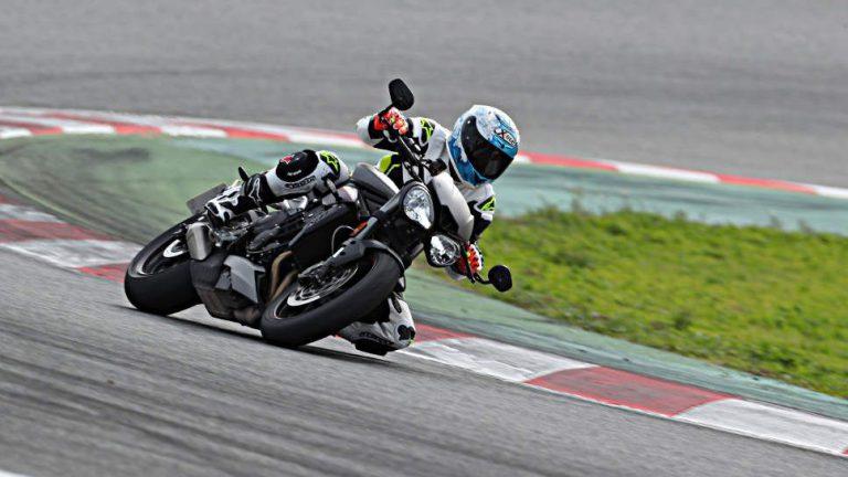 Triumph Speed Triple RS: Vergebliche Suche nach Kritik