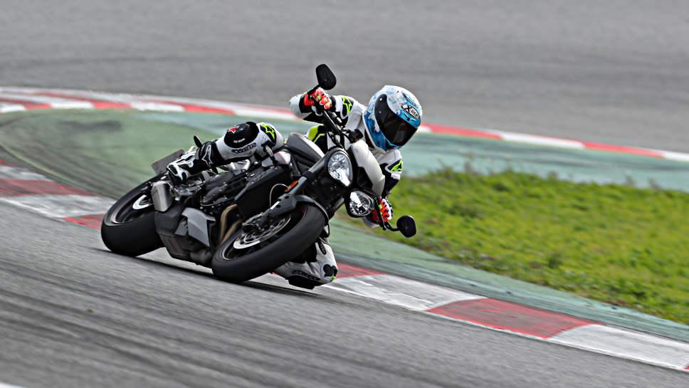 Die Speed Triple RS von Triumph leistet sich keine Schwächen.