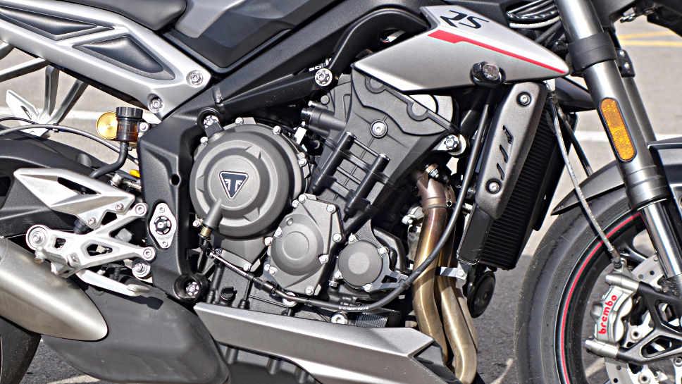 Triumph Street Tripe RS neue Aufmacher Triumph