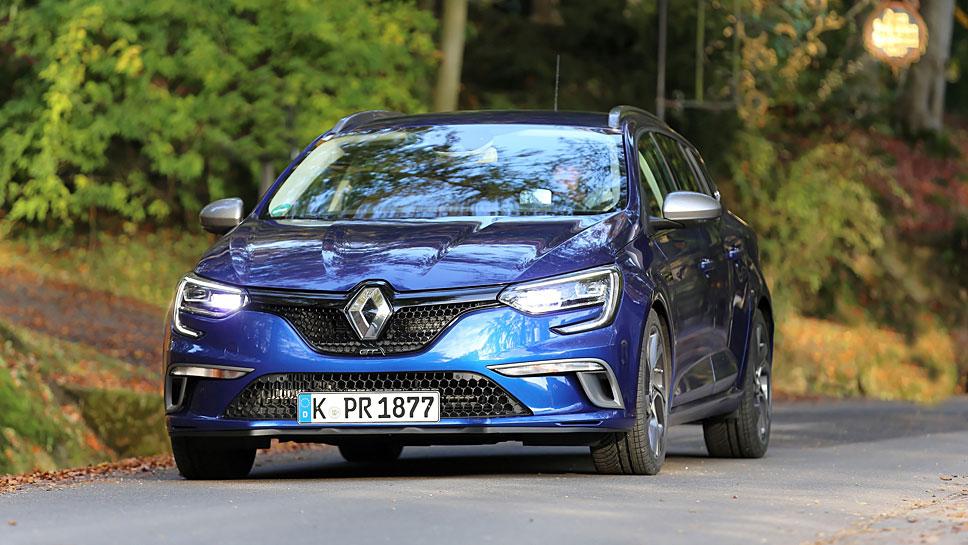 Der Renault Mégane Grandtour GT kommt flott aus der Kurve
