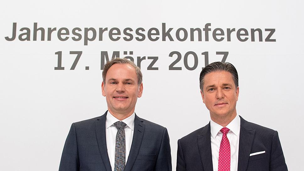 Porsche-Chef Oliver Blume (l.) und Finanzchef Lutz Meschke