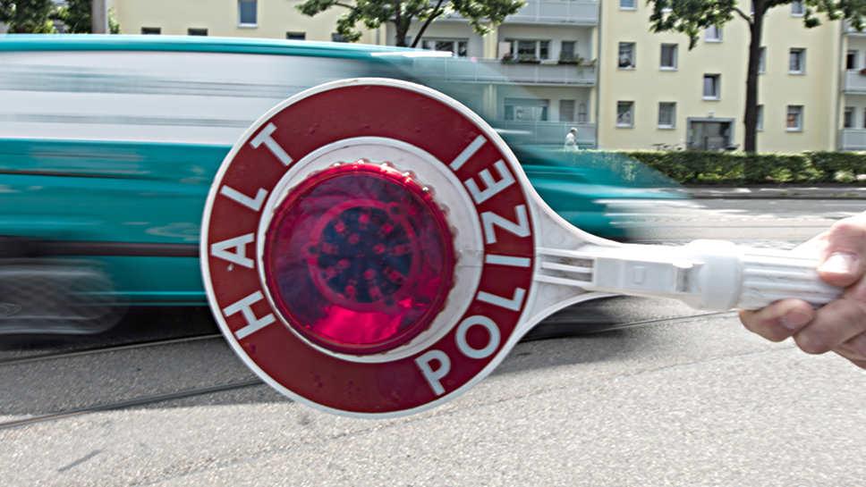Die Polizei soll zukünftig selbst Blutproben in Auftrag geben dürfen.