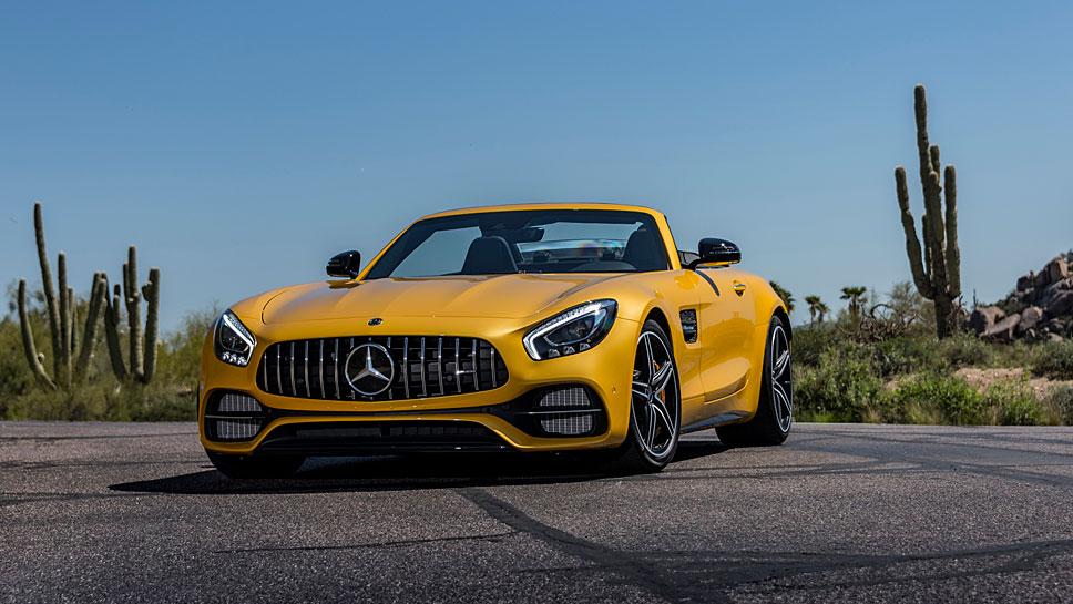 Mercedes-AMG öffnet das Dach des GT Roadster