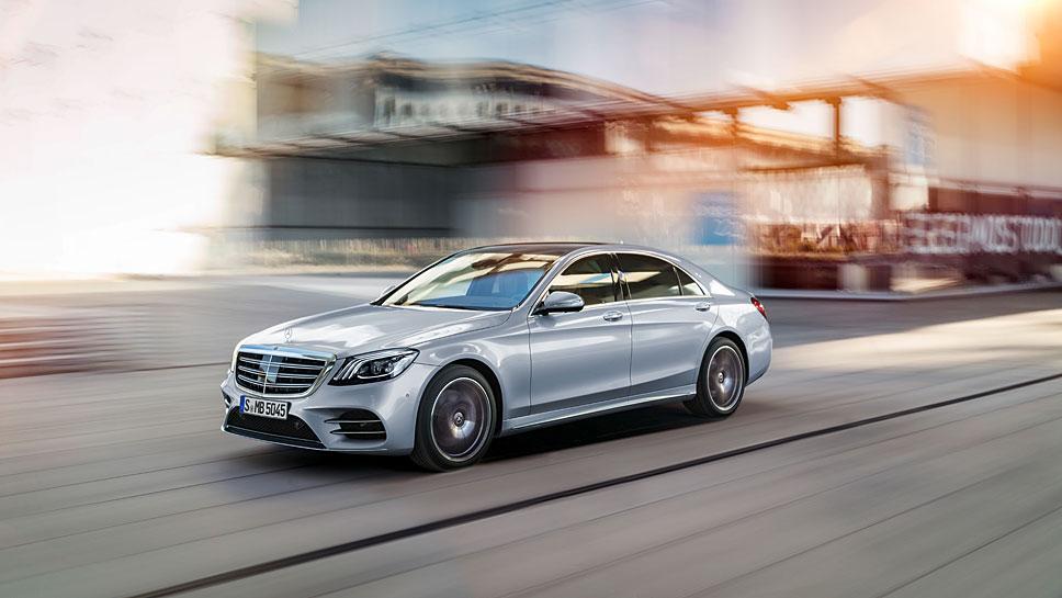 Die Mercedes S-Klasse verfügt über mehr Assistenzsysteme
