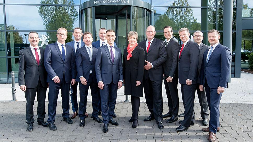 Die Freude der Führungsriege von PSA Deutschland hielt nicht lange