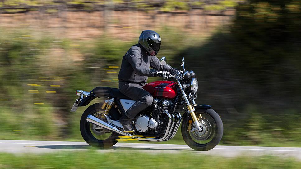 Honda mischt bei der CB 1100 RS Klassik und Moderne zugleich