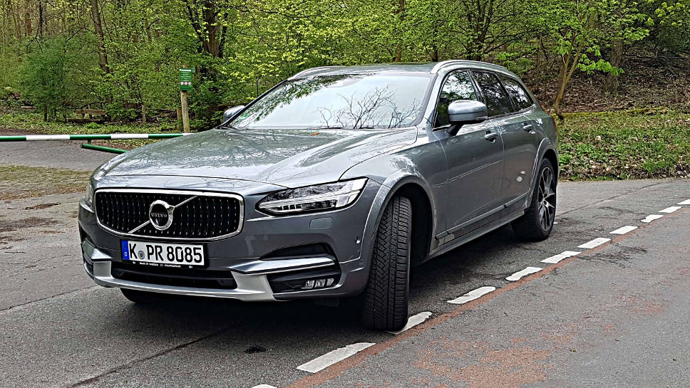 Der Volvo V90 Cross Country macht optisch was her.