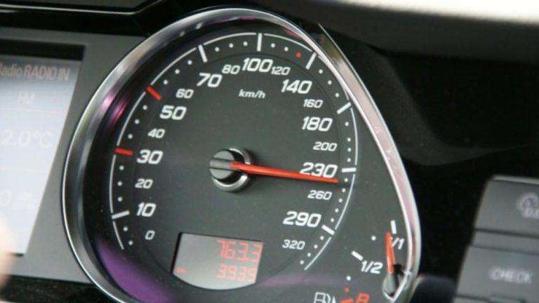 Richtgeschwindigkeit auf Autobahnen nicht ignorieren
