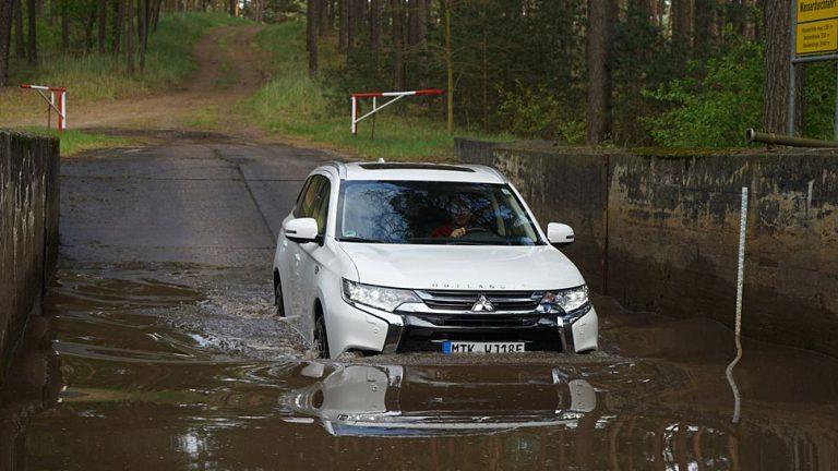 Mitsubishi Outlander PHEV: Schmuckstück fürs Gelände