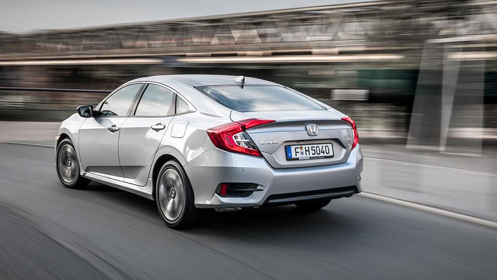 Honda bringt den Civic auch als Viertürer