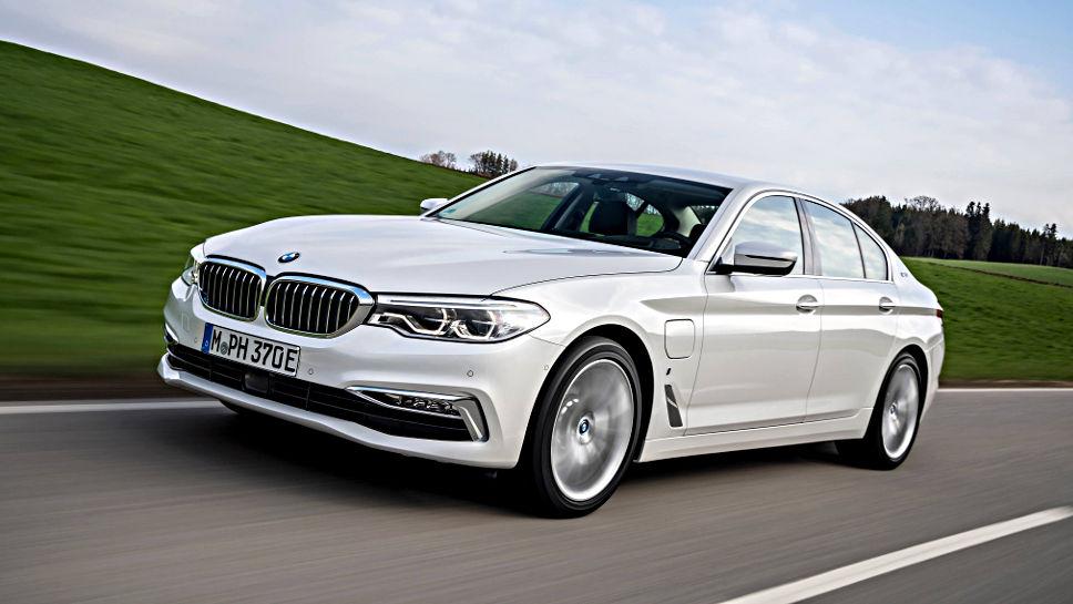 Der BMW 530e i Performance verfügt über einen Plug-in-Antrieb.