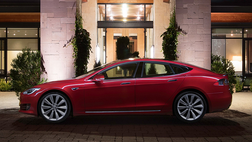 Der Tesla Model S bietet beim Crashtest nur Durchschnitt