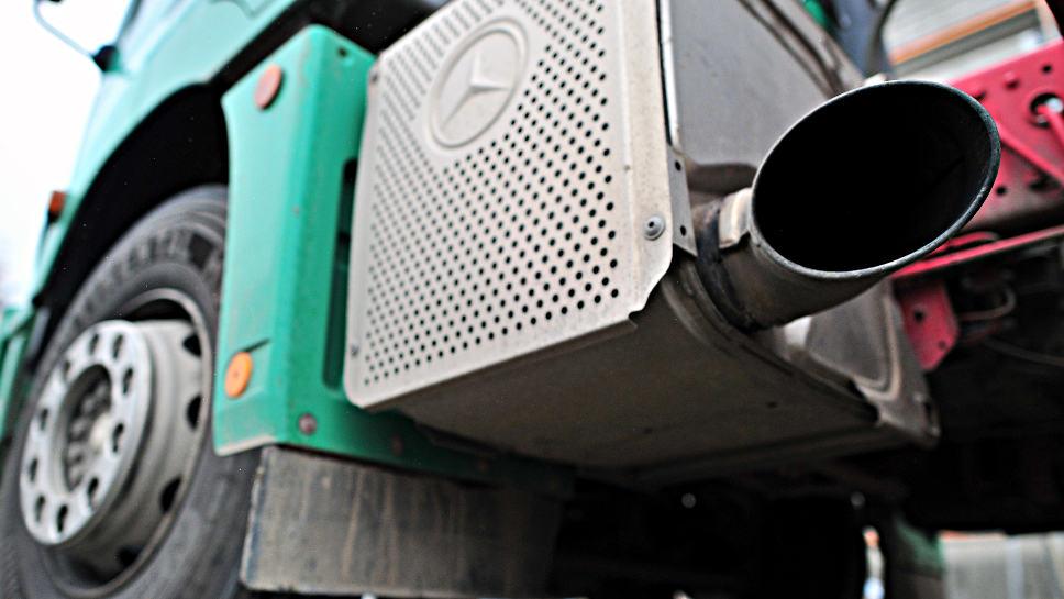 Der CO2-Ausstoß bei Lkw könnte deutlich reduziert werden.