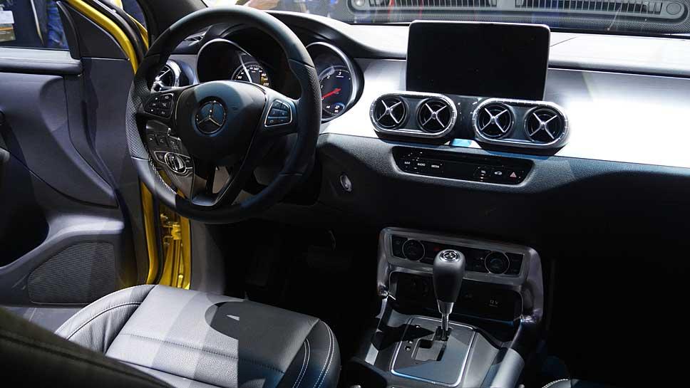 Mercedes feiert Premiere mit der X-Klasse