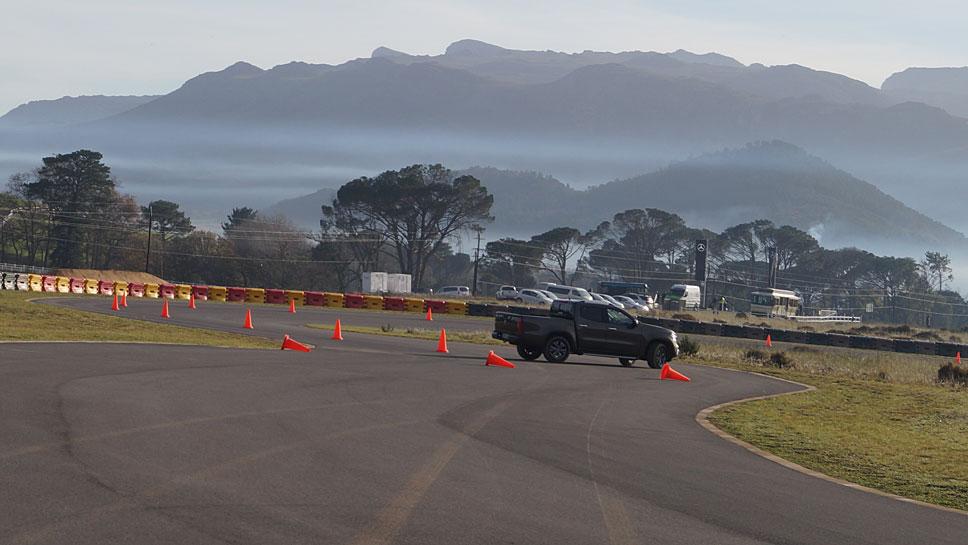 Die Mercedes X-Klasse bereitet auch auf dem Rennkurs viel Freude