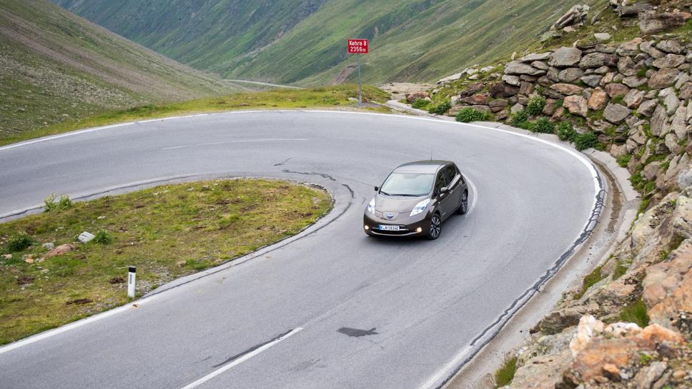 Die Berge hinaus mit dem Nissan Leaf.