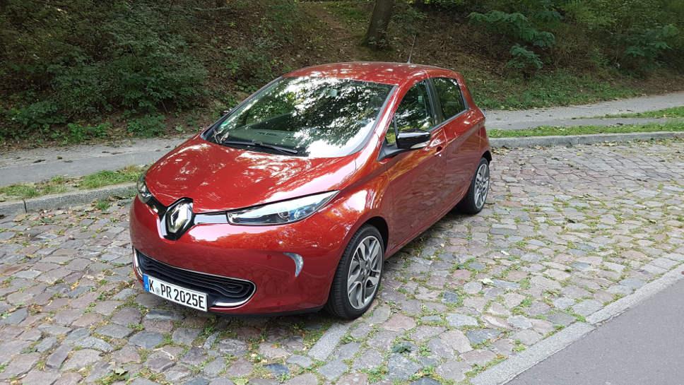 Der Renault Zoe Z.E.40 bringt es auf 300 Kilometer Reichweite.