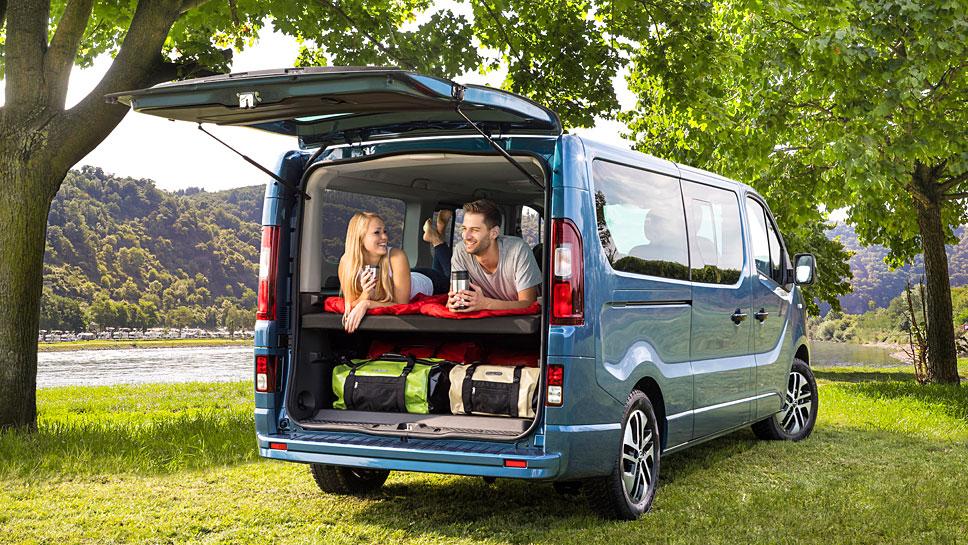 Der Opel Vivaro kann als Variante Life auch als Wohnmobil genutzt werden